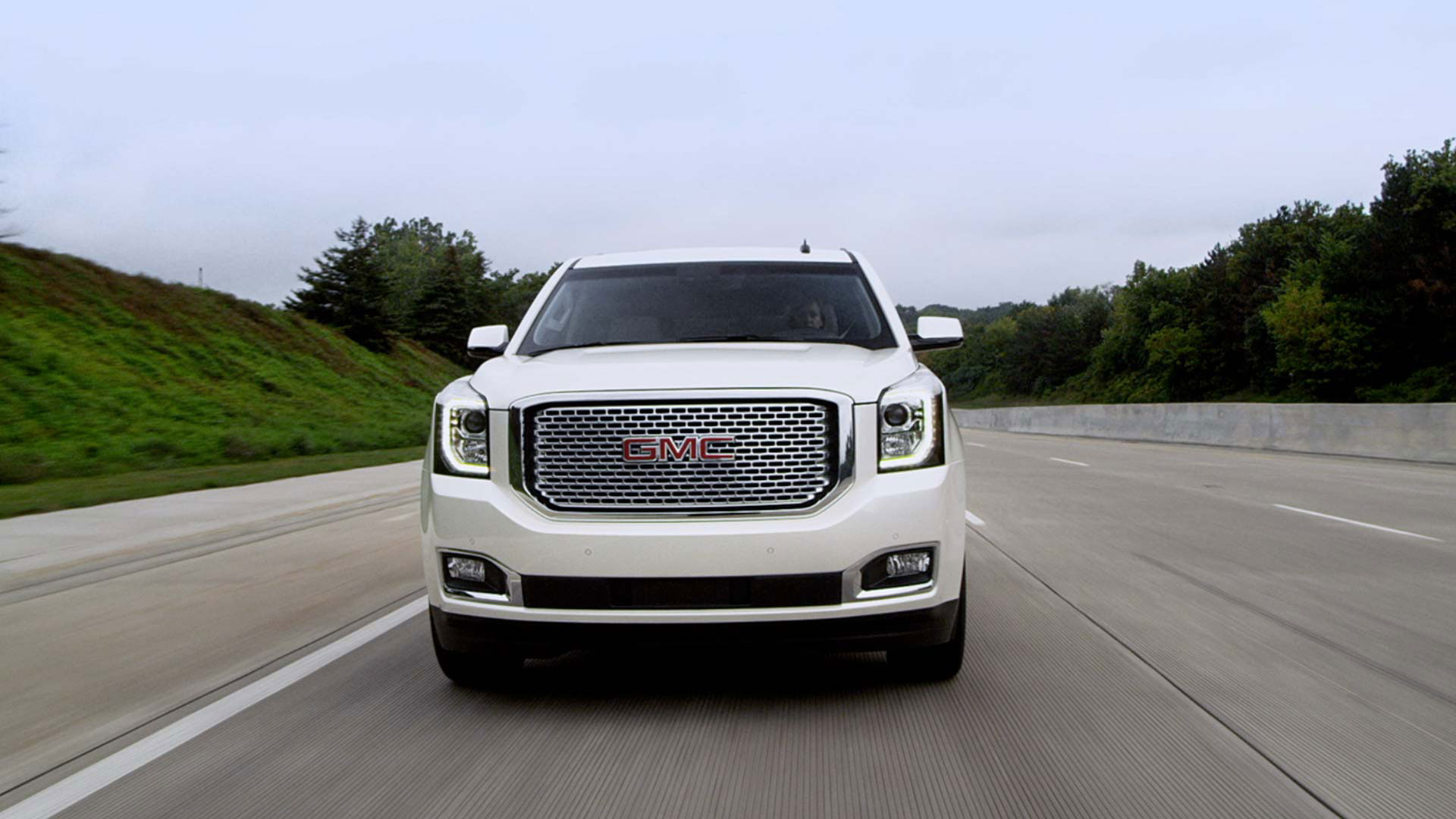 Introducing the all new 2015 GMC Yukon XL Denali extended luxury SUV.
